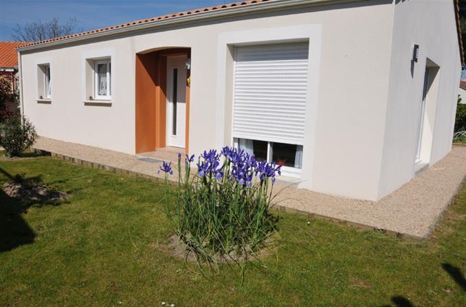 vente maison sainte marie sur mer nantes basse goulaine viager maison 2011 90 m2 48 m2 annexes. Black Bedroom Furniture Sets. Home Design Ideas